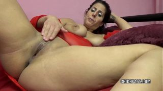 Horny MILF Lavender Rayne is playing with her tight twat