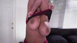 My new maid is fucking sexy milf – milf porn